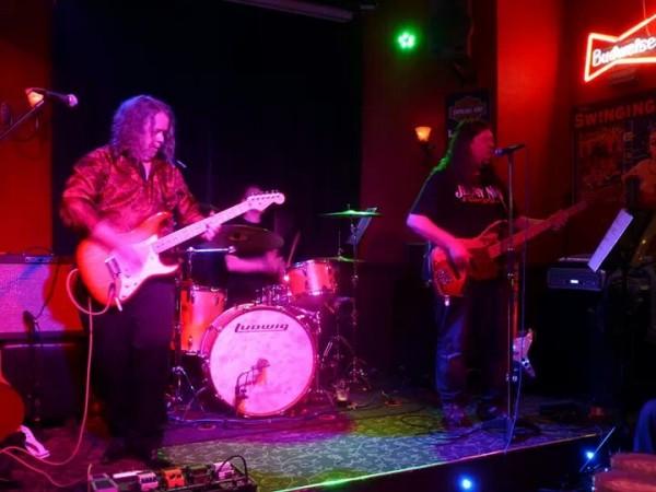 Exiles @ The Swinging Arm, Birkenhead, 08/02/14